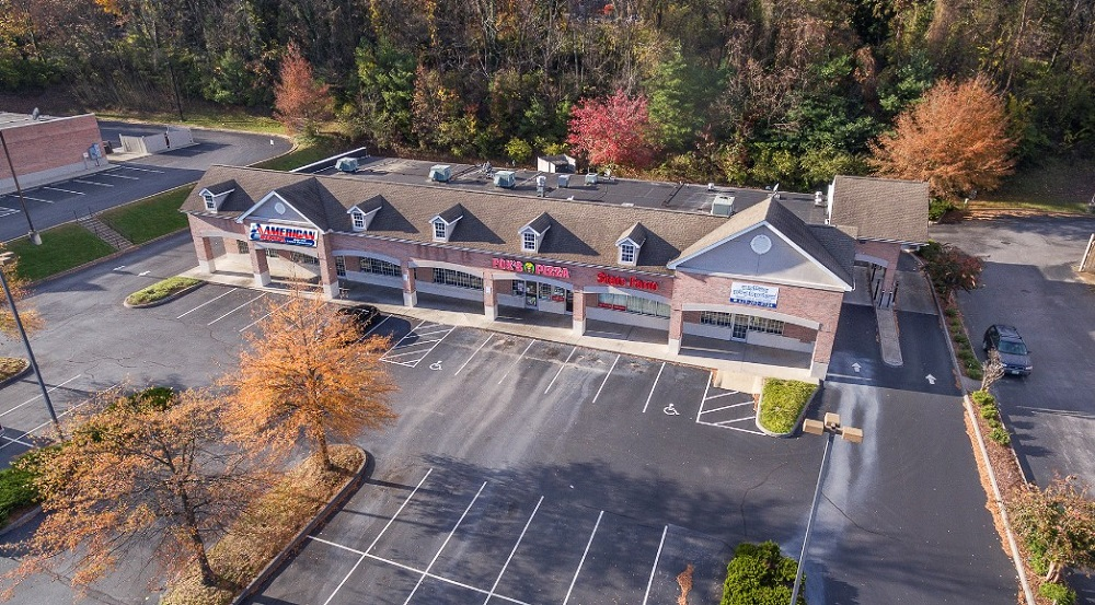 104 University Parkway, Johnson City, Tennessee 37601, ,Retail,For Sale,University Parkway,1,1054